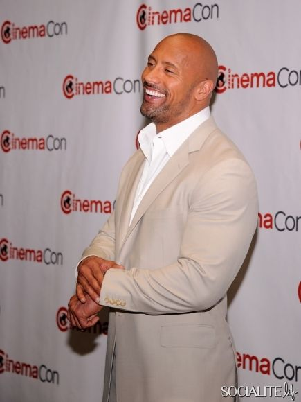 Chris Pine & Dwayne Johnson Beef Up CinemaCon | Daily Dudes @ Dude Dump