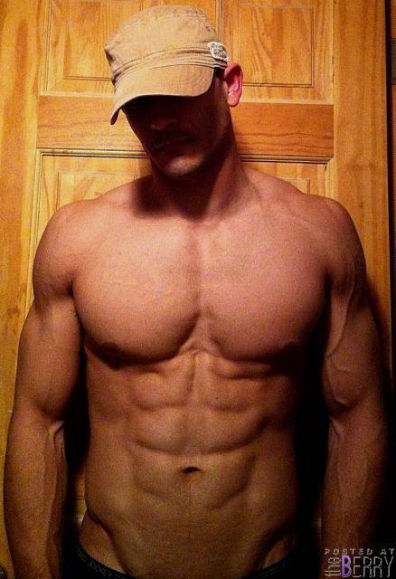 Afternoon eye candy: Hot men of theBERRY!   Daily Dudes @ Dude Dump