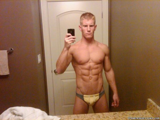Muscled Cam Guy Johnny V | Sexy Muscle Guys | Daily Dudes @ Dude Dump