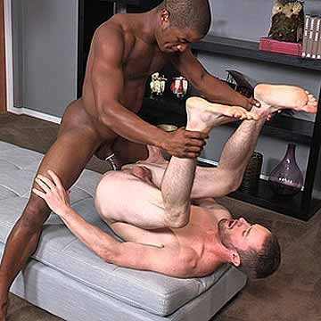 Black Stud Landon Fucks Ethan | Daily Dudes @ Dude Dump
