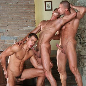 LucasKazan.com presents: the perfect threesome | Daily Dudes @ Dude Dump