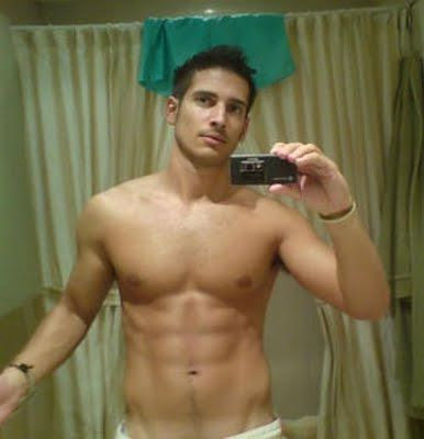 Hot Guys Self iPhone Pics | Daily Dudes @ Dude Dump