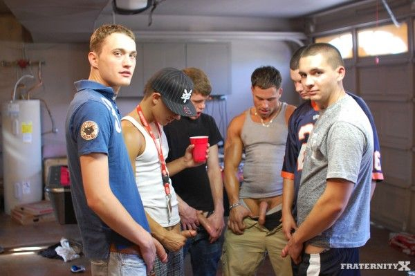 Bareback college gangbang   Daily Dudes @ Dude Dump