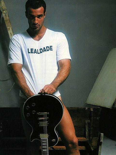 Revista Homens Presents Leon Fala   Gay Body Blog   Daily Dudes @ Dude Dump