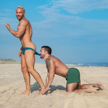 4Play — Will & Jimmy at the beach | Daily Dudes @ Dude Dump