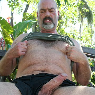 Bald Daddy – Luke Wilder | Daily Dudes @ Dude Dump