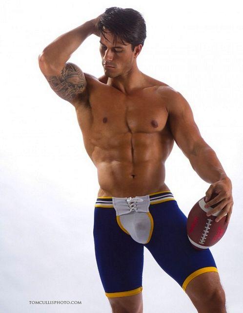 Muscle Model Justin James   Daily Dudes @ Dude Dump