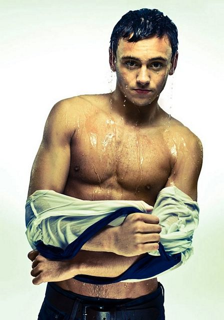 Now He's Legal – It's Tom Daley! | Daily Dudes @ Dude Dump
