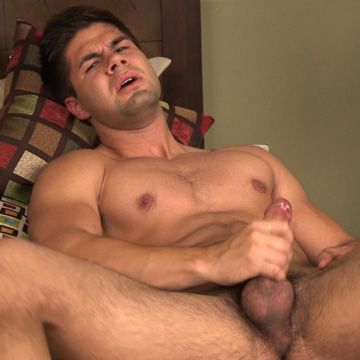 Straight Guy Stroking | Daily Dudes @ Dude Dump