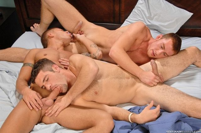 Daisy Chain Blow Job | Daily Dudes @ Dude Dump