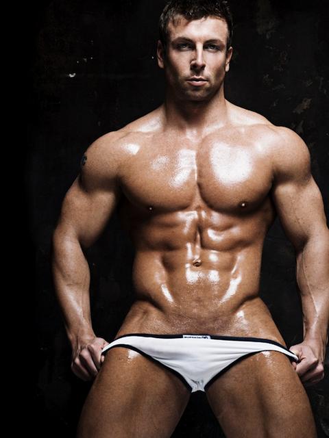 Muscle Hunk Ronnie Douglas | Daily Dudes @ Dude Dump