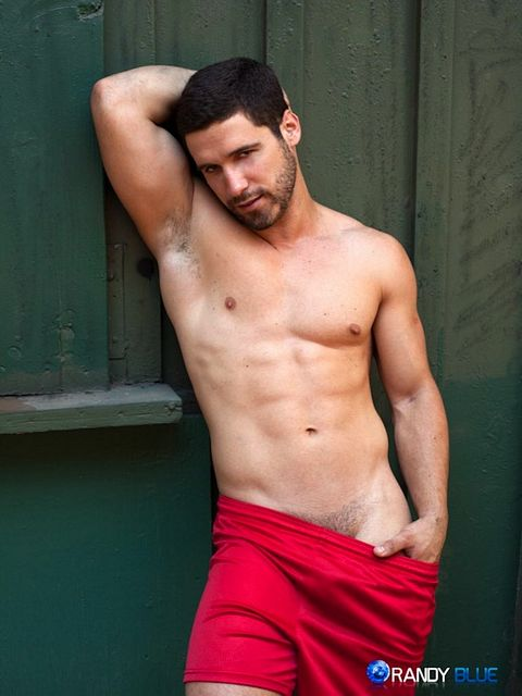 Jerking It With Butch Hunk Matt Castro | Daily Dudes @ Dude Dump
