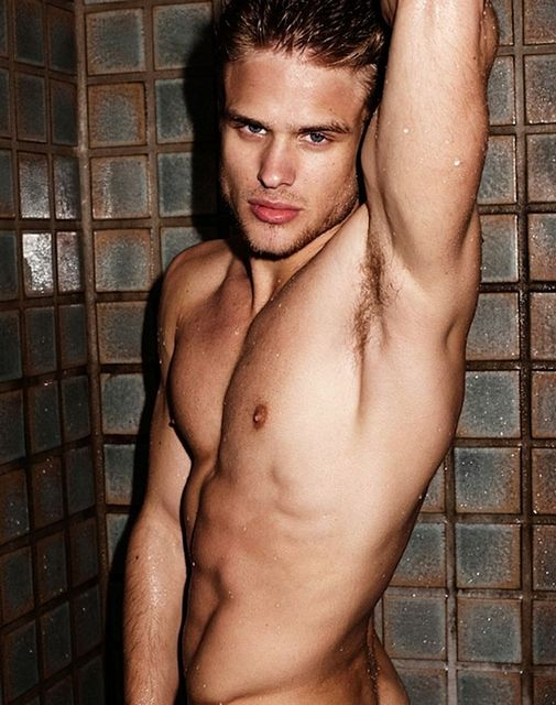 Shower Hunk Renan Rosiak | Guys R Us | Daily Dudes @ Dude Dump