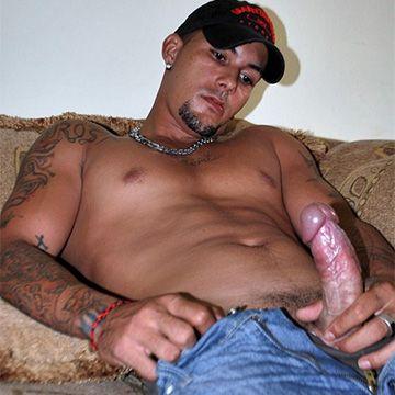 Big Straight Stud Roberto | Daily Dudes @ Dude Dump