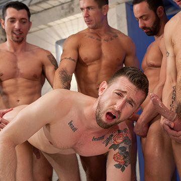 5 Tops, 1 Insatiable Bottom | Daily Dudes @ Dude Dump