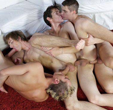Hot Euro boys in a bareback chain-fuck | Daily Dudes @ Dude Dump