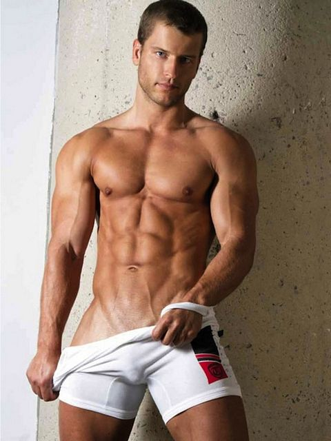 Muscled Sports Guys | Sexy Muscle Guys | Daily Dudes @ Dude Dump