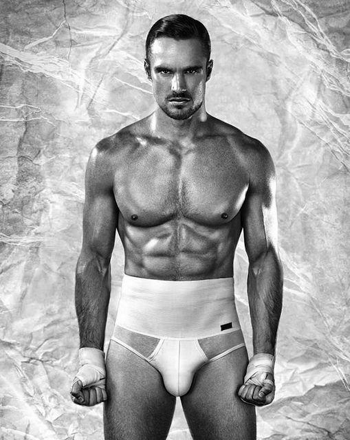 Masculinity – Thom Evans | Gay Body Blog | Daily Dudes @ Dude Dump