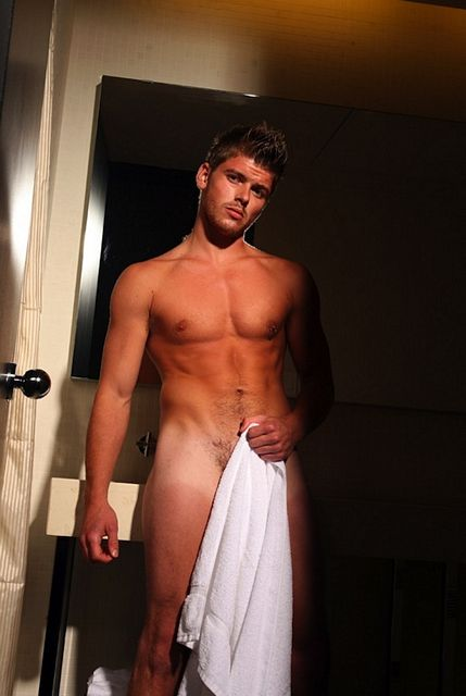 Hot Naked Guy In The Shower   Daily Dudes @ Dude Dump