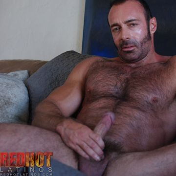 Horny Gay Jerk Off Video With Muscled Brad Kalvo | Daily Dudes @ Dude Dump