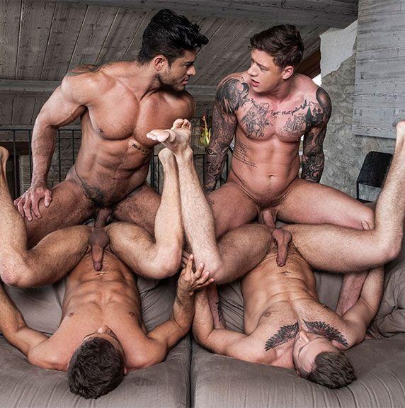 A bareback foursome | Daily Dudes @ Dude Dump
