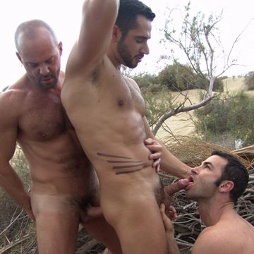 A Gay Outdoor Threesome With Dan Vega, Carlo Cox | Daily Dudes @ Dude Dump