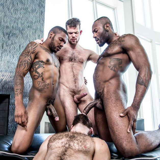 A hot interracial foursome | Daily Dudes @ Dude Dump
