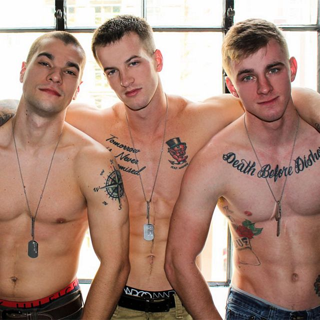 A military threesome | Daily Dudes @ Dude Dump