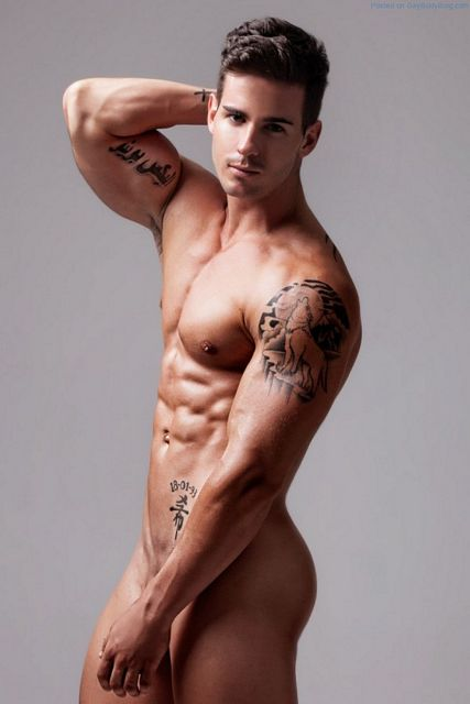 Alex Bueno Is So Gorgeous Your Heart Will Flutter | Daily Dudes @ Dude Dump