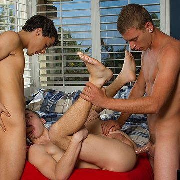 Alex Greene Fucks Hot Boys | Daily Dudes @ Dude Dump