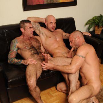 Mature gay daddy threesome