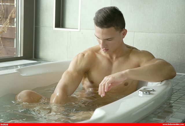 Antoine Meloni takes a bath and cums! | Daily Dudes @ Dude Dump