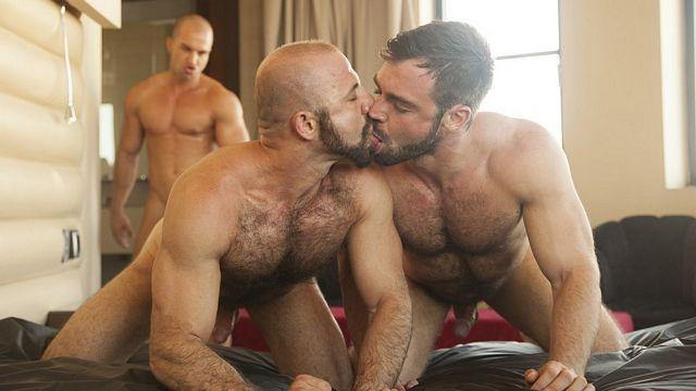 Antonio Aguilera Barebacks Jose Quevedo and Felipe | Daily Dudes @ Dude Dump