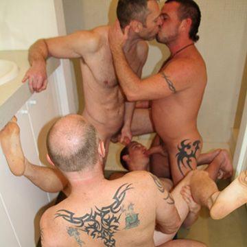 Aussie Shower Fourgy | Daily Dudes @ Dude Dump