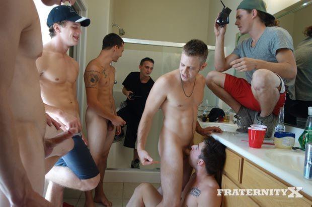 Bathroom Gangbang Fun | Daily Dudes @ Dude Dump
