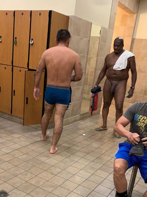 Beastin' in the locker room   Daily Dudes @ Dude Dump