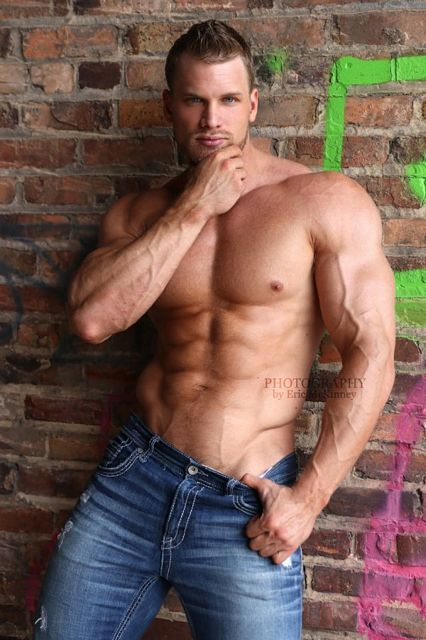 Big And Buff Muscle Hunk Maverick Willett | Daily Dudes @ Dude Dump