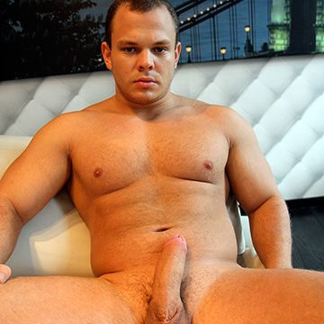 Big Beefy Hung Dude | Daily Dudes @ Dude Dump