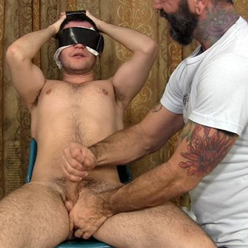 Blindfolded Guy's Handjob | Daily Dudes @ Dude Dump