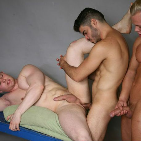 Boda Gold, Jan Bavor and Tonny Scott fuck RAW | Daily Dudes @ Dude Dump
