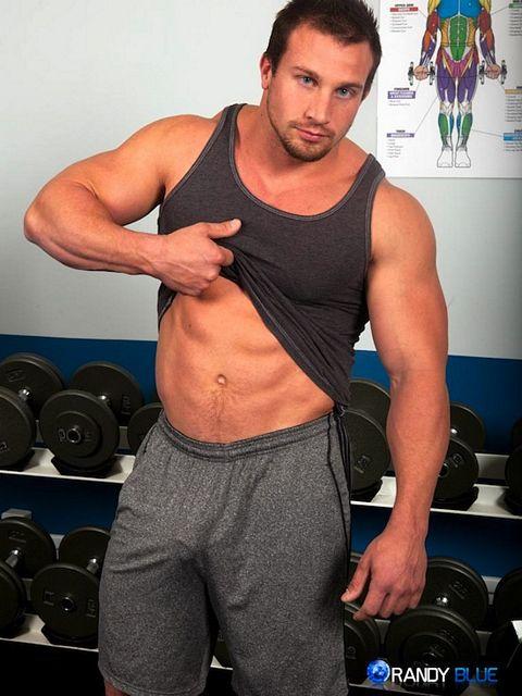 Bodybuilder Solo Jack Off   Guys R Us   Daily Dudes @ Dude Dump