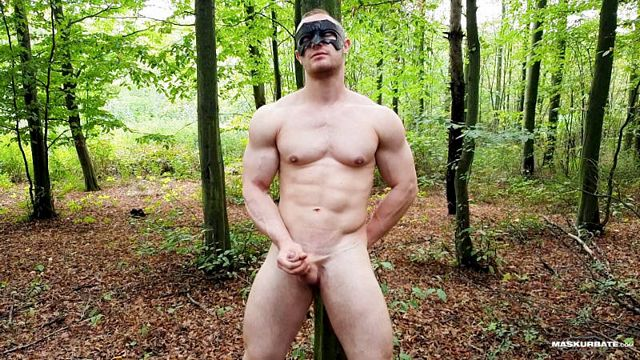 Bodybuilder Zahn jerking off in the woods | Daily Dudes @ Dude Dump
