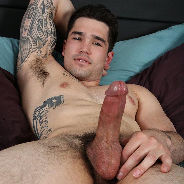 Braxton beats off | Male-Erotika.com | Daily Dudes @ Dude Dump