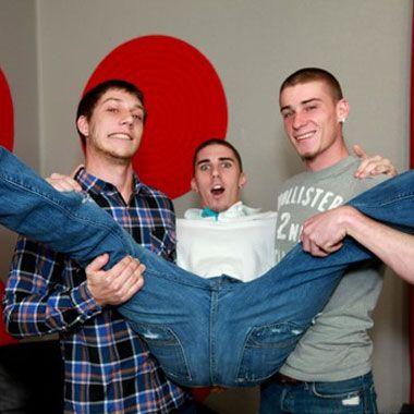 Broke straight boys threesome | Daily Dudes @ Dude Dump