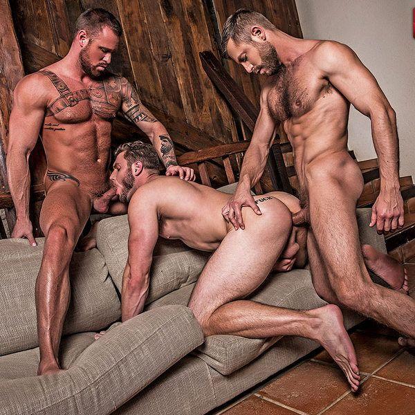 Bulrog is doing Hot Bareback Threesome | Daily Dudes @ Dude Dump
