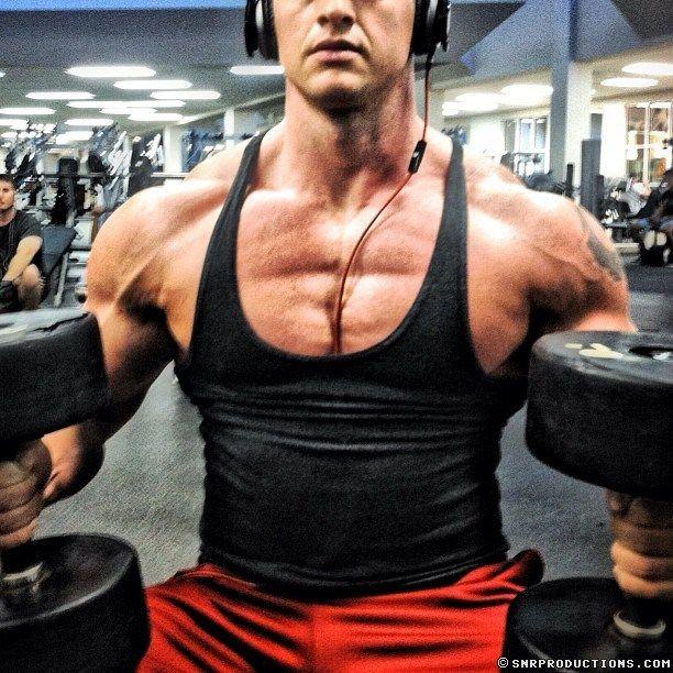Cam Guy Delro Flexing His Muscles | Daily Dudes @ Dude Dump