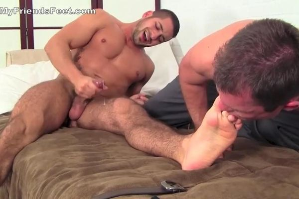 Cameron Kincade fucks Eddie Cambio's sexy feet | Daily Dudes @ Dude Dump