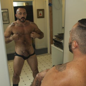 Daddy jerk off with Alessio Romero | Daily Dudes @ Dude Dump