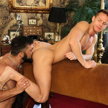 Darius Ferdynand fucked by hung muscle daddy | Daily Dudes @ Dude Dump