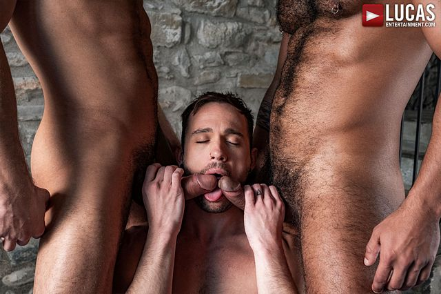 Drake Rogers takes two fat cocks | Daily Dudes @ Dude Dump